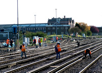 Trackworkers at Eastleigh 270305 JC